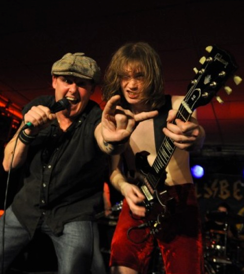 Hells Bells To Rock Backstage