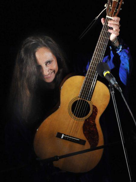 Julie Felix Plays Kinross in 2018 for Mundell Music