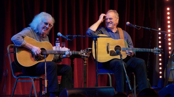 Ralph McTell and Wizz Jones Play Backstage Kinross For Mundell Music