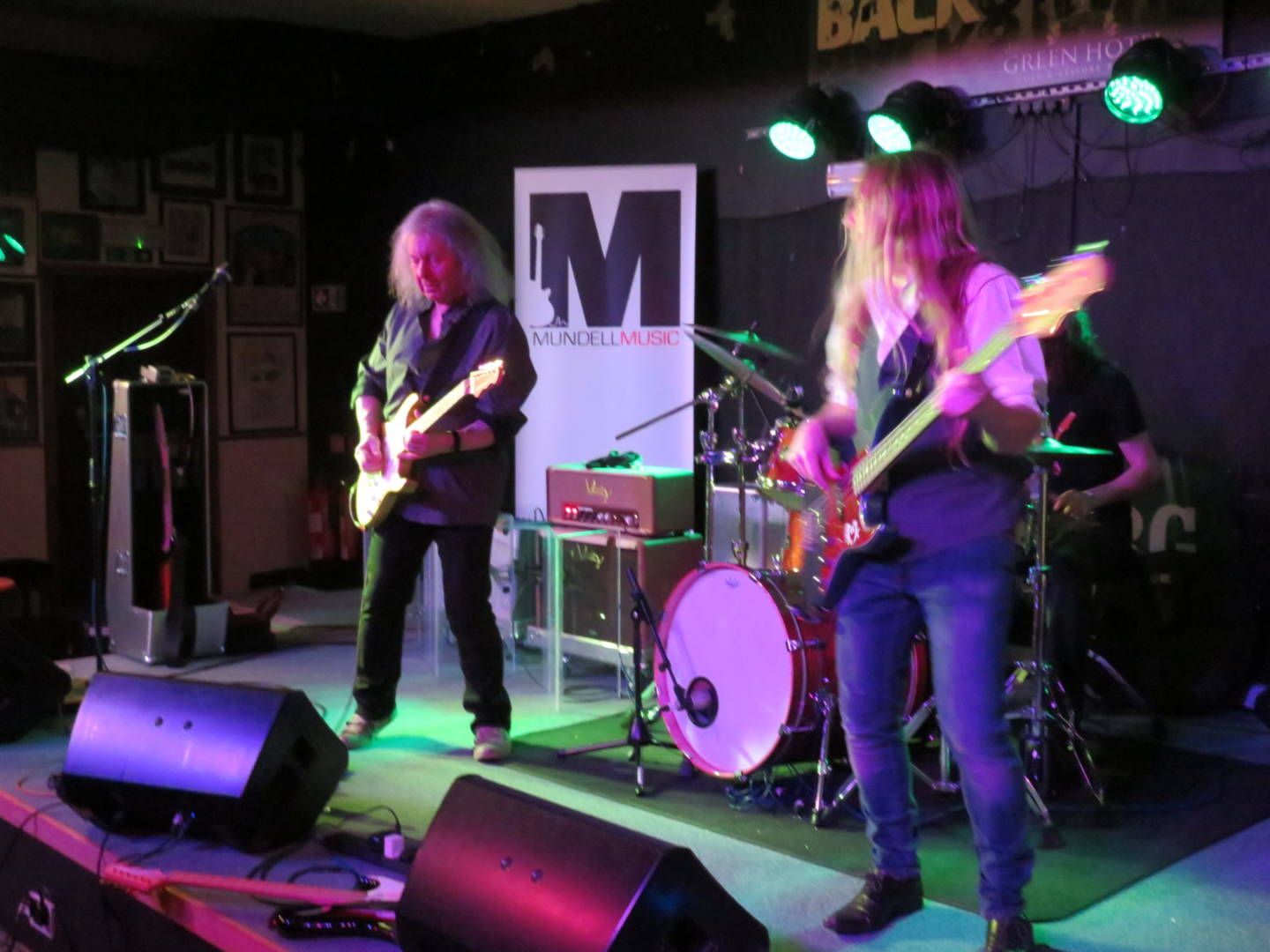 Live Music In Kinross With Mundell Music
