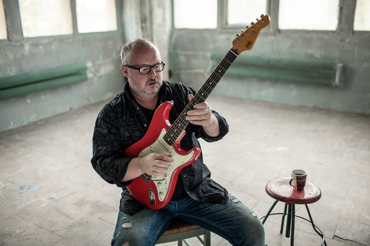 Paul Rose Plays Backstage at the Green Hotel Kinross