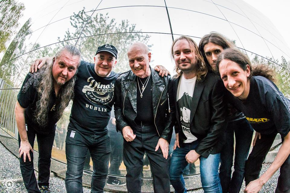 The Chris Slade Timeline Plays Backstage Kinross